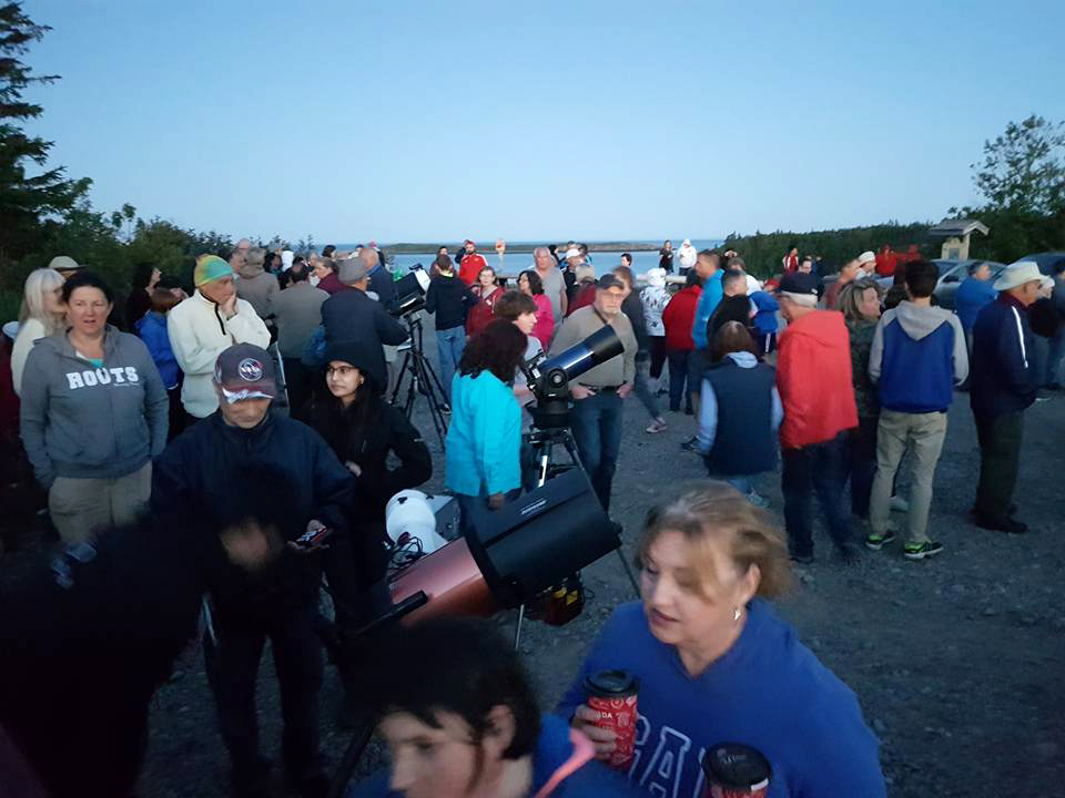 Photo of crowd at the National Star Party celebrated at Irving Nature Park, Saint John, NB.
