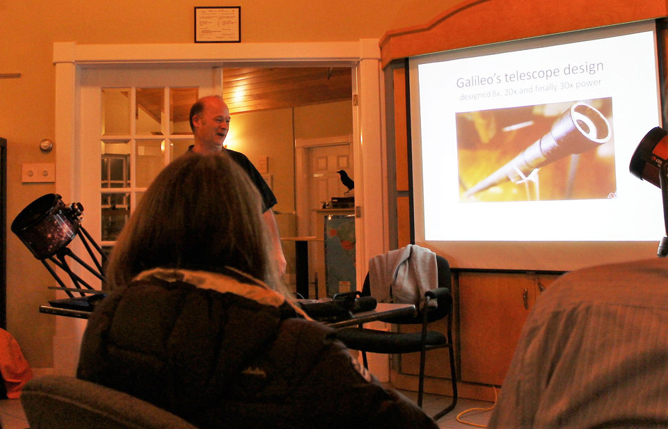"Photo of Paul Owen at the ""Choosing the Right Equipment"" session of the ""Photographing the Night Sky"" course."
