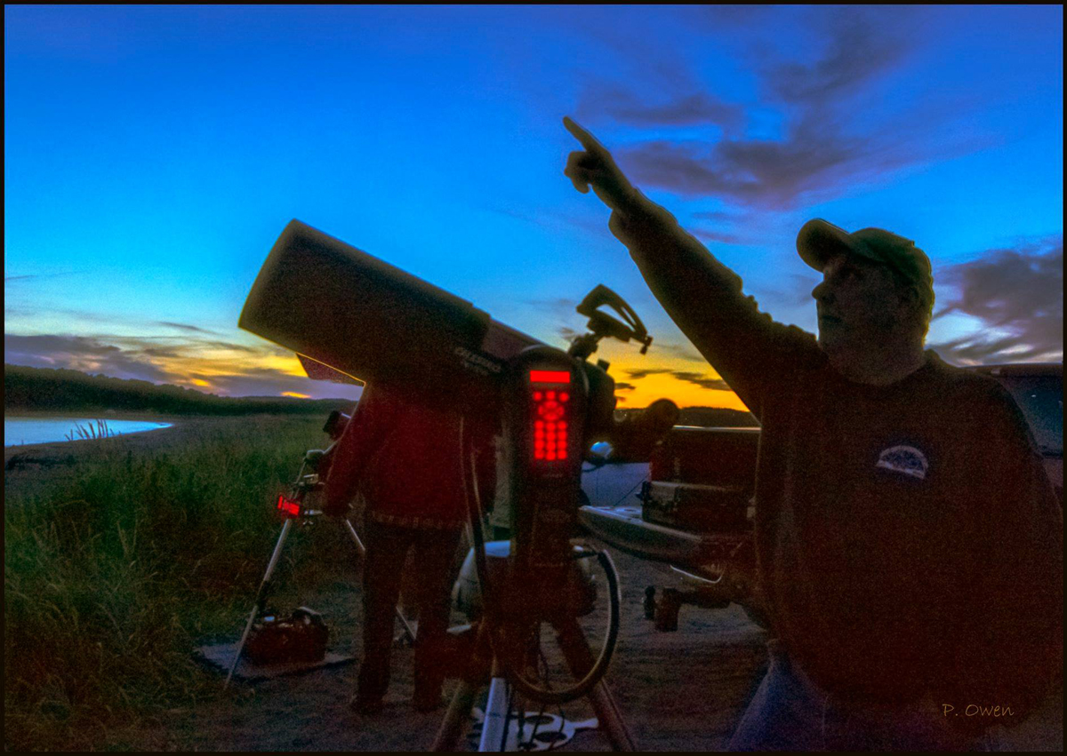 SJAC member Mike Powell pointing out some stars at Saints Rest beach in Saint John, NB