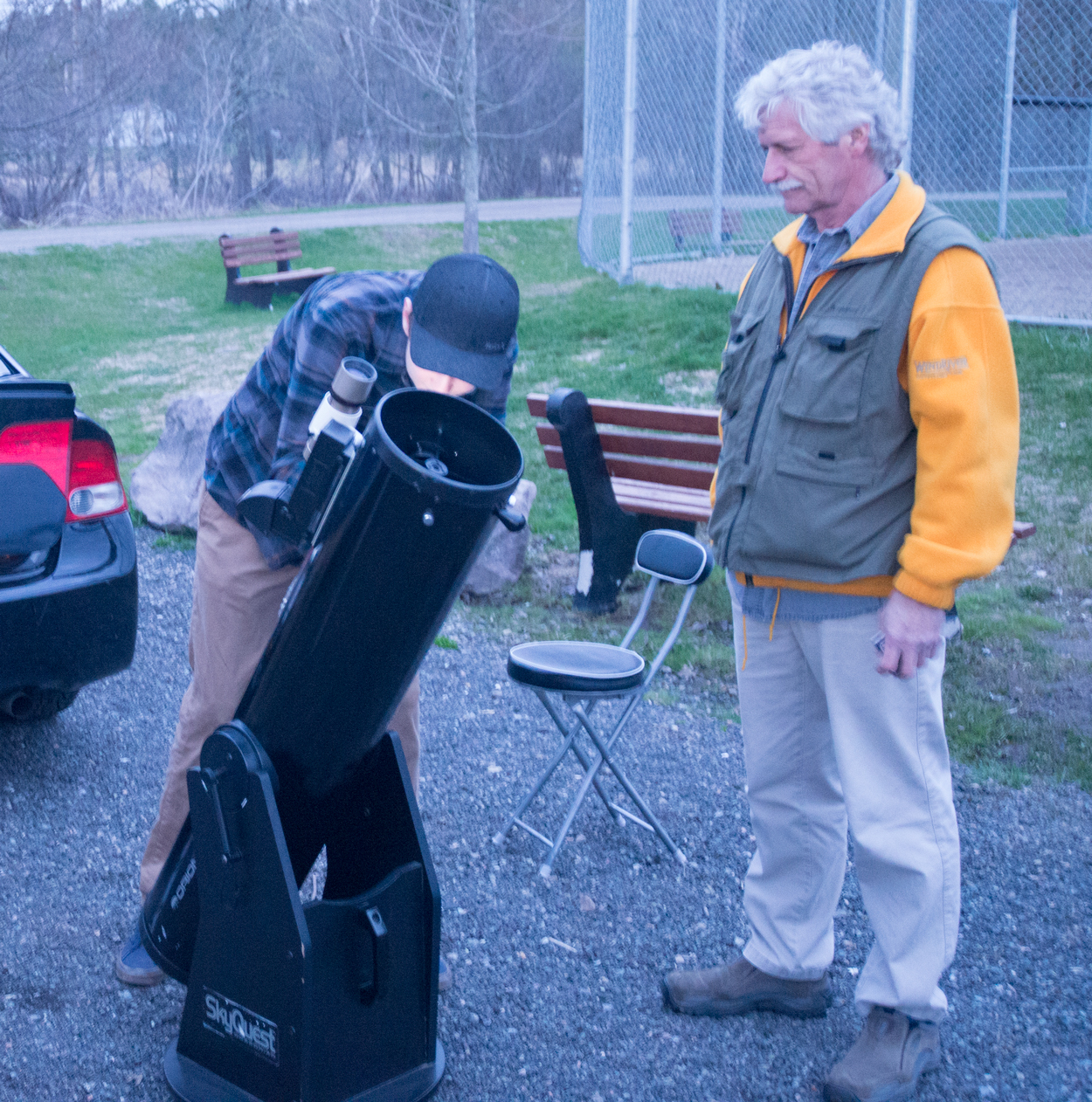 Checking out a view of the Moon at the Hampton Star Party, May 11, 2019 [photo-Jim Stewart]